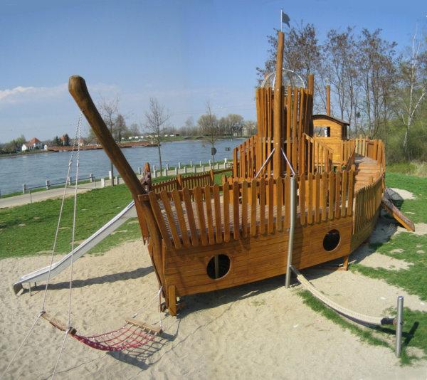 Ein Holzschiff von Wissmeier