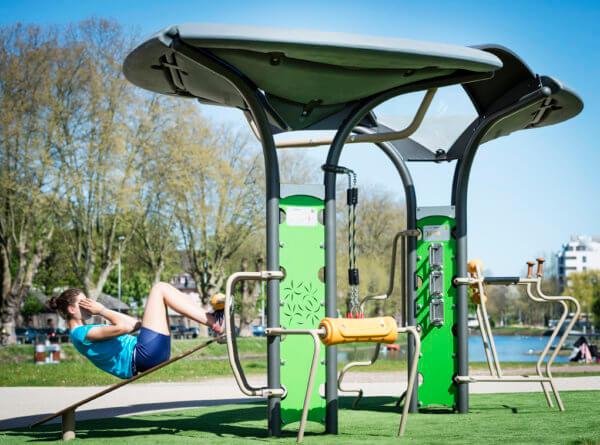 Sportgeräte von Husson sind abwechslungsreich und ideal für das Outdoor-Workout.