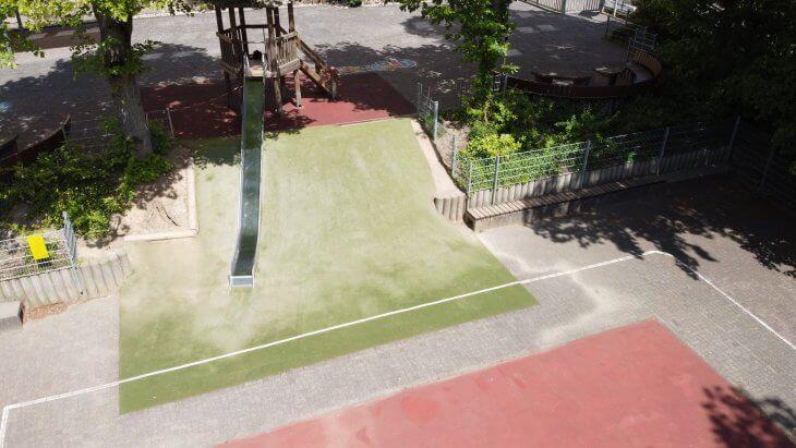 Die Kombination aus Teppichvlies und Beton sorgt für ideale Hangabsicherung in Nassau.